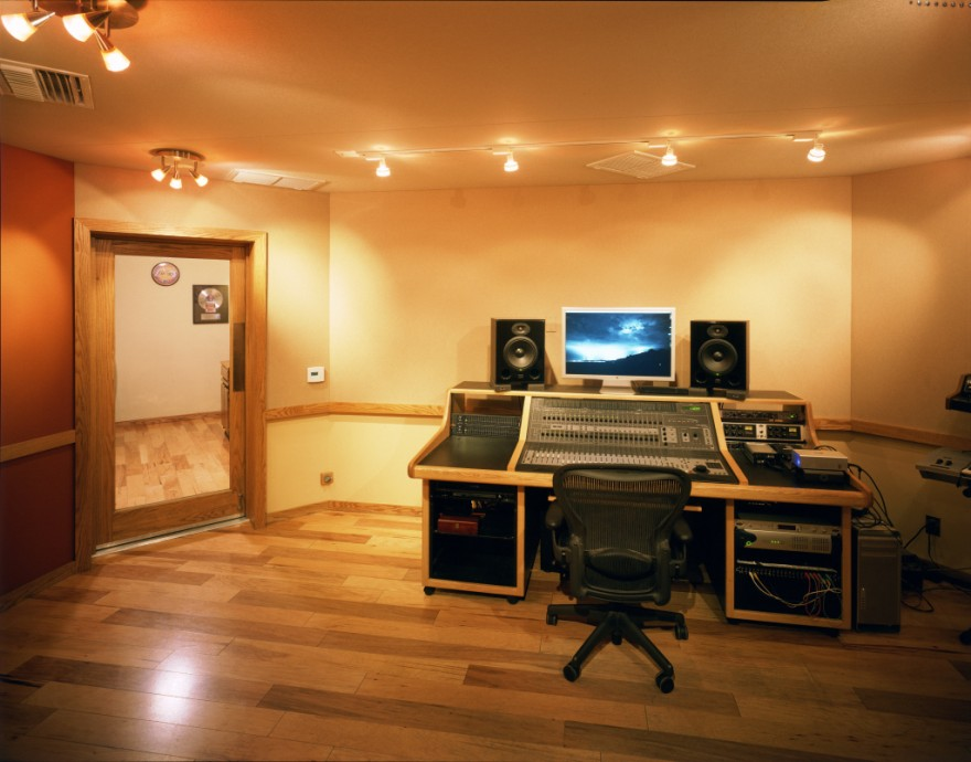 Track record studio steven klein s sound control room inc for Studio floor